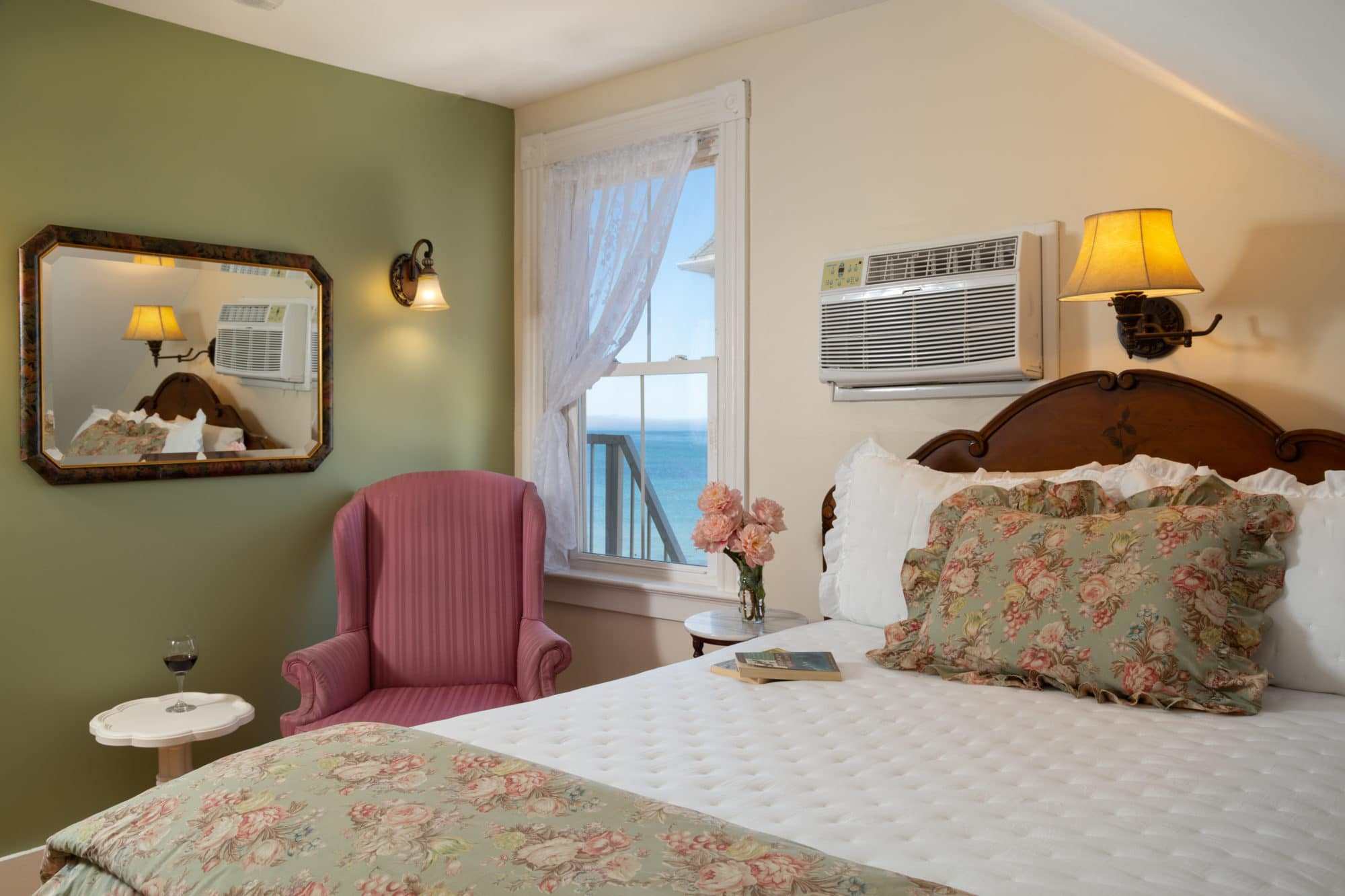 Blue-Dory-Rooms-Queen-Anne-1